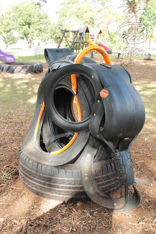 elefante de pneu